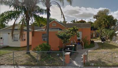 Lake Worth Single Family Home For Sale: 19 S E Street