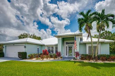 Stuart Single Family Home For Sale: 134 SE Ashley Oaks Way