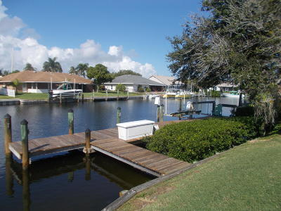 Fort Pierce Single Family Home For Sale: 17 Crown Court