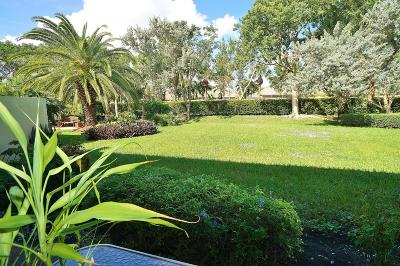 Boynton Beach Single Family Home For Sale: 7142 Boscanni Drive
