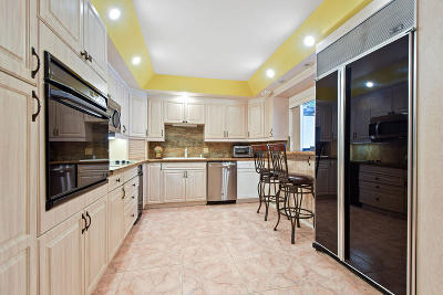 Palm Beach Gardens Townhouse For Sale: 524 5th Terrace