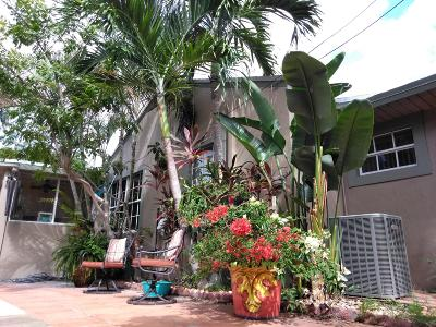 West Palm Beach Multi Family Home For Sale: 3607 S Olive Avenue