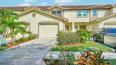 Lake Worth Townhouse For Sale: 6321 Crescent Lake Way
