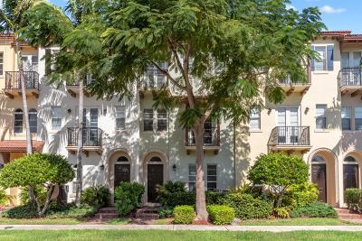 Boca Raton Townhouse For Sale: 58 Via Floresta Drive