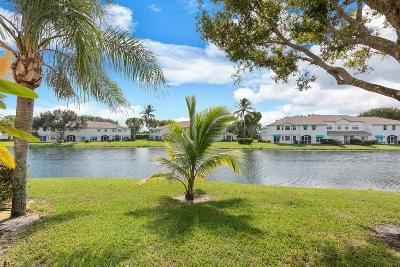 Boca Raton Townhouse For Sale: 9172 Boca Gardens Parkway #E