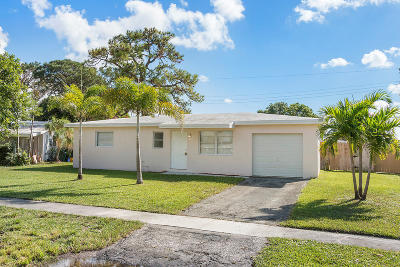 West Palm Beach FL Single Family Home For Sale: $259,000
