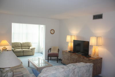 Boynton Beach Condo For Sale: 2600 NE 1st Lane #413