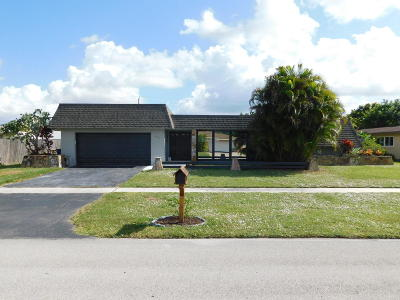 Royal Palm Beach Single Family Home For Sale: 832 Lilac Drive