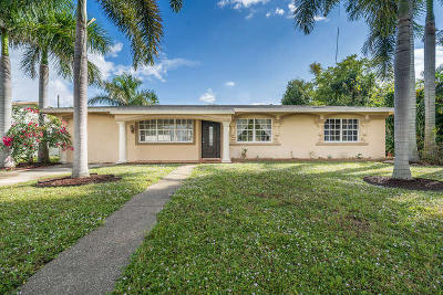 Lake Worth Single Family Home Contingent: 726 Lake Osborne Terrace