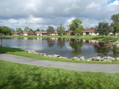 Lake Worth Condo For Sale: 352 Covered Bridge Boulevard #A