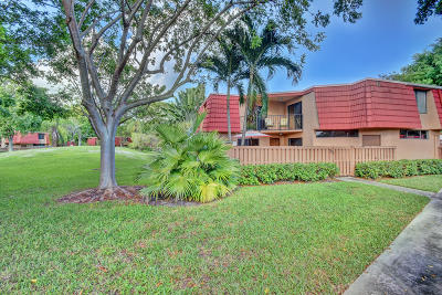 Boca Raton Townhouse For Sale: 8201 Severn Drive #D