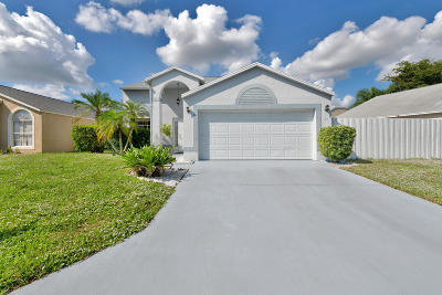 Boynton Beach Single Family Home For Sale: 47 Bentwater Circle