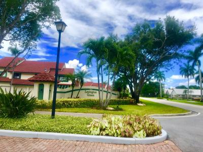 Palm Beach Gardens Condo For Sale: 5 Lexington Lane E #C