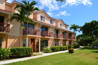 Delray Beach Condo For Sale: 2042 Alta Meadows Lane #1711