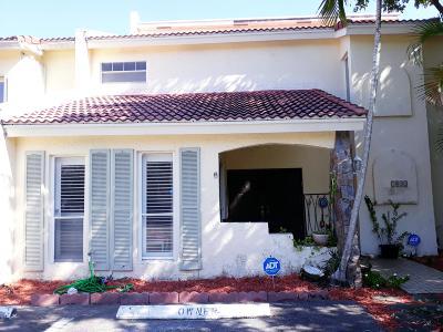 Boca Raton Townhouse For Sale: 7432 Chablis Court