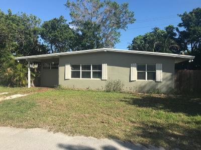 Jensen Beach Single Family Home Contingent: 1315 NE Oak Lane Drive