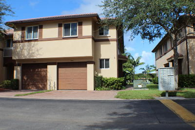 Riviera Beach FL Townhouse Sold: $181,000