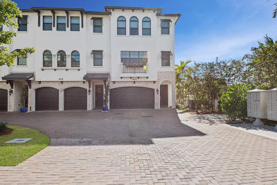 Boynton Beach Townhouse For Sale: 607 Windward Circle S
