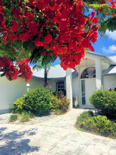 Hutchinson Island Single Family Home For Sale: 116 Queen Christina Court