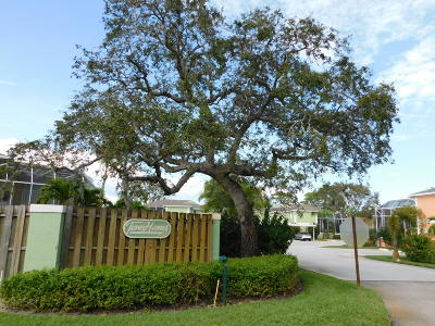 Stuart Rental Contingent: 15 SE Beech Tree Lane #15