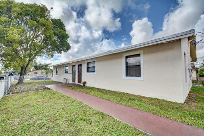 Fort Lauderdale Multi Family Home Contingent: 2401 NW 15th Street #1-2