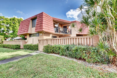 Boca Raton Townhouse For Sale: 8105 Severn Drive #D