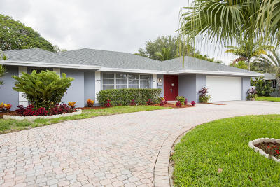 West Palm Beach Single Family Home For Sale: 8101 W Lake Drive Drive