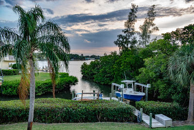 Tequesta Single Family Home For Sale: 141 Pine Hill Trail W