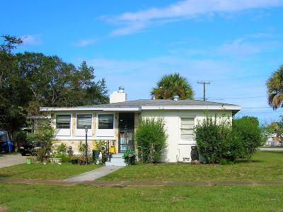 Fort Pierce Single Family Home For Sale: 702 Parkway Drive