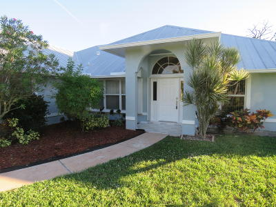 Port Saint Lucie Single Family Home For Sale: 1518 SE Portillo Road