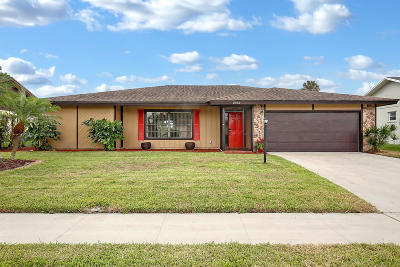 Riviera Beach Single Family Home For Sale: 2557 Canterbury Drive