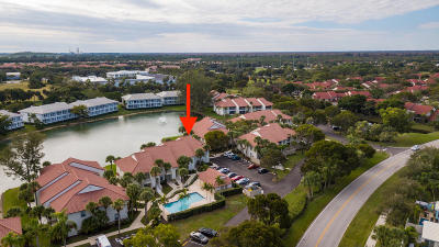 Palm Beach Gardens Condo For Sale: 218 Cypress Point Drive #Building