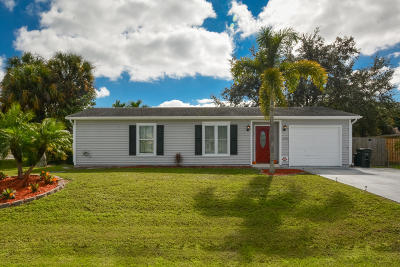 Port Saint Lucie Single Family Home For Sale: 574 SW Prado Avenue