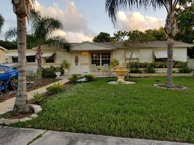 Deerfield Beach Single Family Home For Sale: 550 SW 10th Court