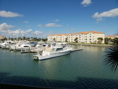 Fort Pierce Condo For Sale: 16 Harbour Isle Drive W #203