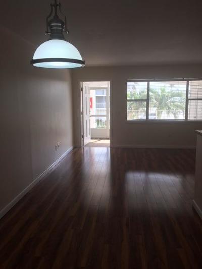 North Palm Beach Condo For Sale: 110 Shore Court #205