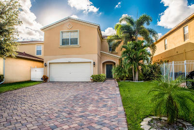 West Palm Beach Single Family Home For Sale: 929 Fieldstone Way