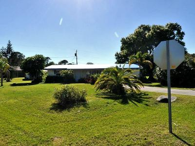 Fort Pierce Single Family Home For Sale: 6107 Deleon Avenue