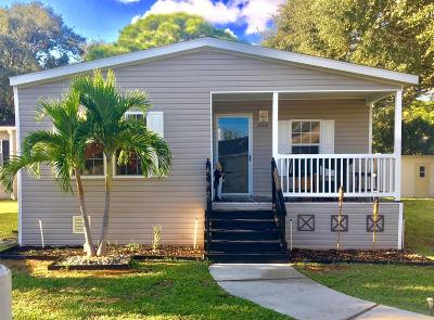 Palm Beach Gardens Mobile Home For Sale: 2555 Pga Boulevard #206