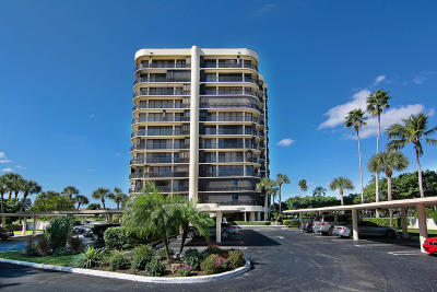 West Palm Beach Condo Contingent: 2427 Presidential Way #202