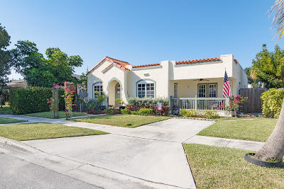 Lake Worth Single Family Home For Sale: 164 Yale Drive