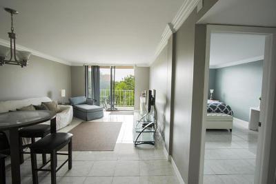 West Palm Beach Condo For Sale: 470 Executive Center Drive #3k