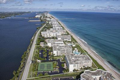 Palm Beach Condo For Sale: 3300 S Ocean Boulevard #307s