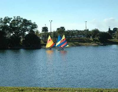 West Palm Beach Condo For Sale: 433 Dover B