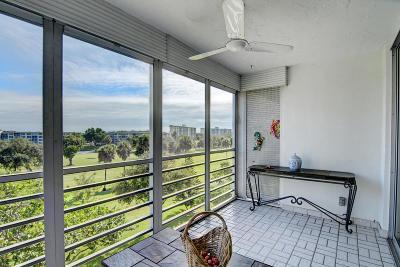 Pompano Beach Condo For Sale: 3900 Oaks Clubhouse Drive #503