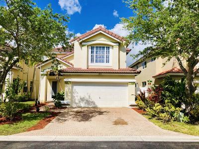 Dania Beach Single Family Home For Sale: 825 Natures Cove Road
