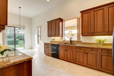 Delray Beach Single Family Home For Sale: 9732 Isles Cay Drive