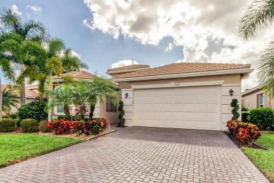 Boynton Beach Single Family Home For Sale: 10851 Carmelcove Circle