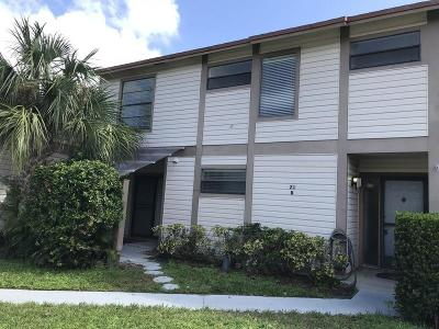 Jupiter Townhouse For Sale: 102 Sherwood Circle #21b