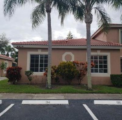 Boynton Beach Townhouse For Auction: 9914 Kamena Circle
